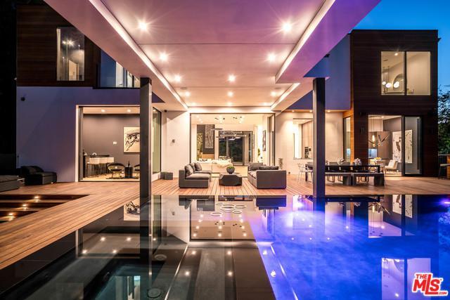 3958 Sunswept Drive, Studio City, CA 91604 (MLS #18372504) :: The John Jay Group - Bennion Deville Homes