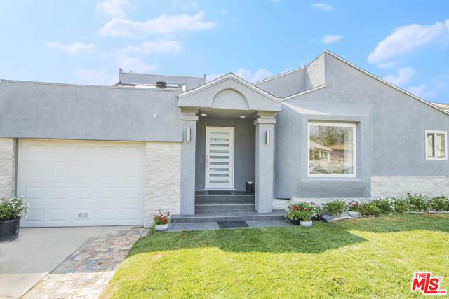 6047 Fulcher Avenue, North Hollywood, CA 91606 (MLS #18373654) :: The John Jay Group - Bennion Deville Homes