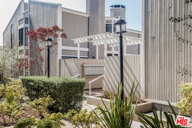 1044 20th Street N, Santa Monica, CA 90403 (MLS #18374756) :: The John Jay Group - Bennion Deville Homes
