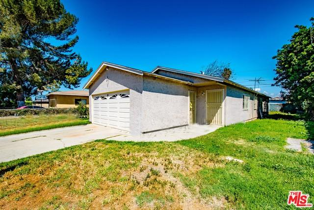 935 W 133rd Street, Compton, CA 90222 (MLS #18378600) :: Deirdre Coit and Associates