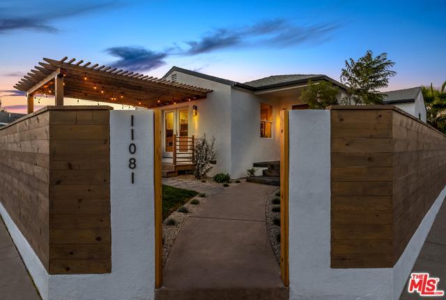 11081 Culver, Culver City, CA 90230 (MLS #18388196) :: The John Jay Group - Bennion Deville Homes