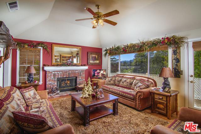 263 Squirrel Drive, Lake Arrowhead, CA 92352 (MLS #18392042) :: Team Wasserman