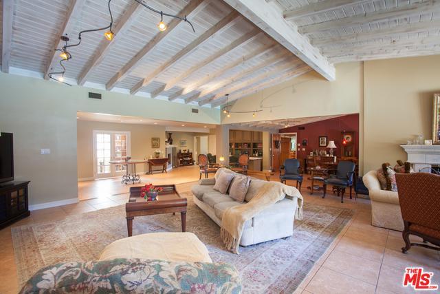 19260 Linnet Street, Tarzana, CA 91356 (MLS #18394014) :: Hacienda Group Inc