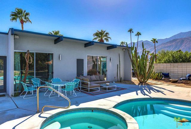 2702 E Plaimor Avenue, Palm Springs, CA 92262 (MLS #18395346PS) :: Brad Schmett Real Estate Group