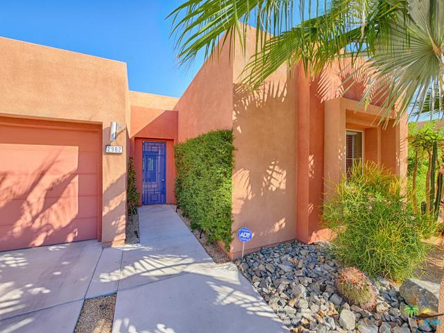 2982 Searchlight Lane, Palm Springs, CA 92264 (MLS #18395636PS) :: The Jelmberg Team