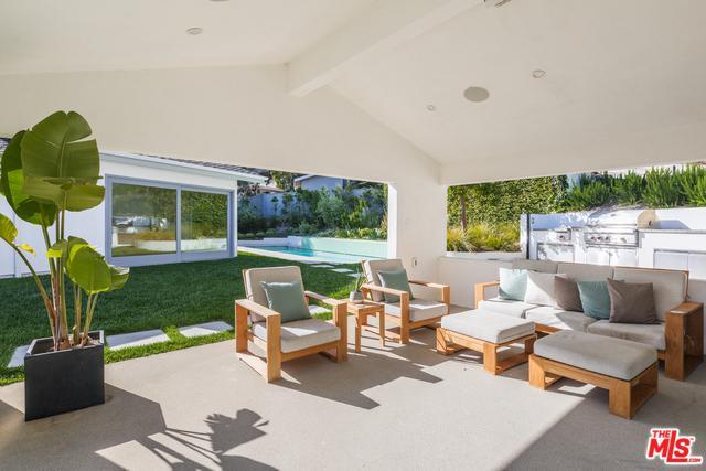 16163 Anoka Drive, Pacific Palisades, CA 90272 (MLS #18395916) :: Deirdre Coit and Associates