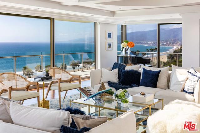 535 Ocean Avenue Ph, Santa Monica, CA 90402 (MLS #18396542) :: Hacienda Group Inc