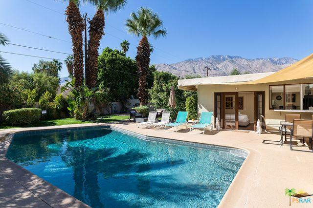 1117 E El Alameda, Palm Springs, CA 92262 (MLS #18401132PS) :: Brad Schmett Real Estate Group