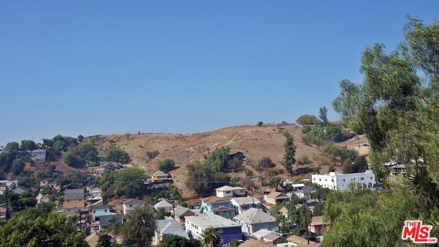 2810 Sierra Street, Los Angeles (City), CA 90031 (MLS #18402308) :: The Jelmberg Team