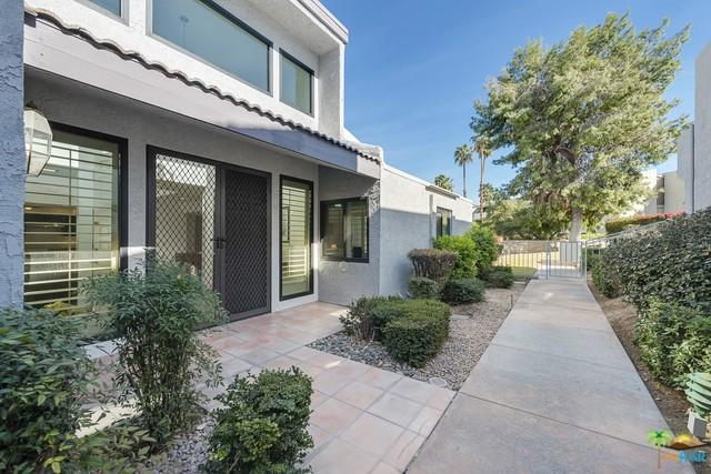 225 E La Verne Way, Palm Springs, CA 92264 (MLS #18407286PS) :: The Jelmberg Team