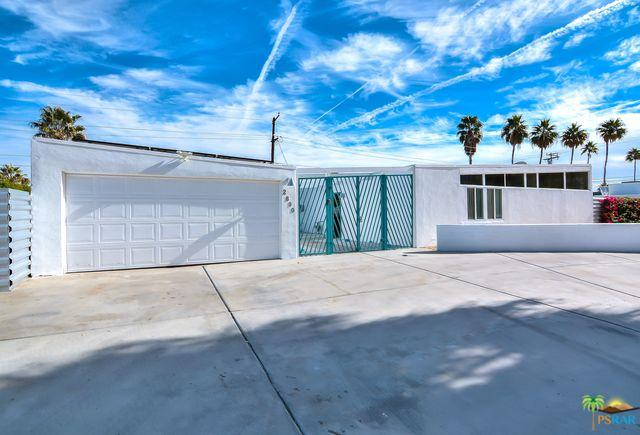 2890 E Wyman Drive, Palm Springs, CA 92262 (MLS #18413418PS) :: Brad Schmett Real Estate Group