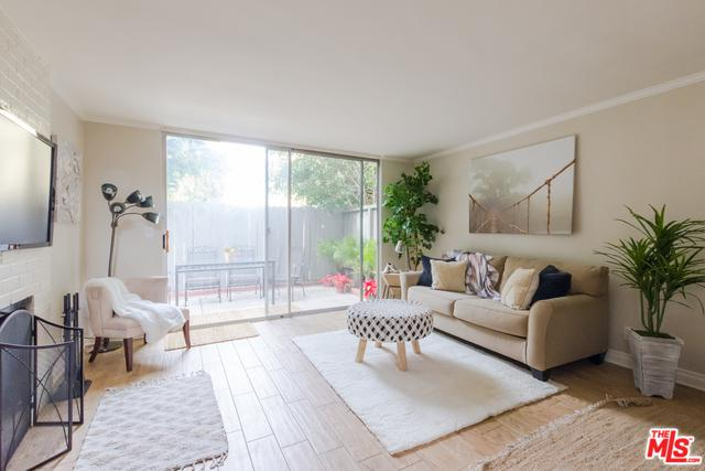 5951 Canterbury Drive #17, Culver City, CA 90230 (MLS #18414126) :: The Jelmberg Team