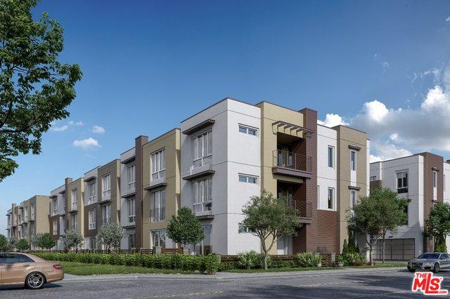 7327 Hazeltine Avenue, Van Nuys, CA 91405 (MLS #18414426) :: The John Jay Group - Bennion Deville Homes