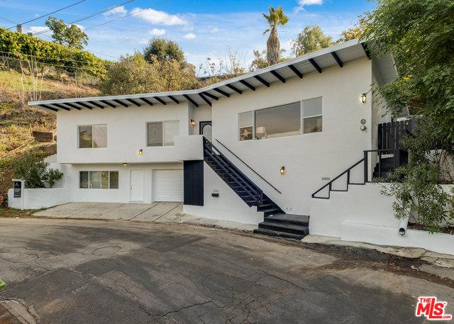 3640 Berry Drive, Studio City, CA 91604 (MLS #18415494) :: The Jelmberg Team