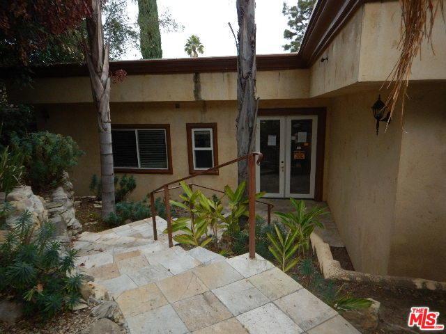 4221 Las Cruces Drive, Sherman Oaks, CA 91403 (MLS #18415736) :: The Jelmberg Team