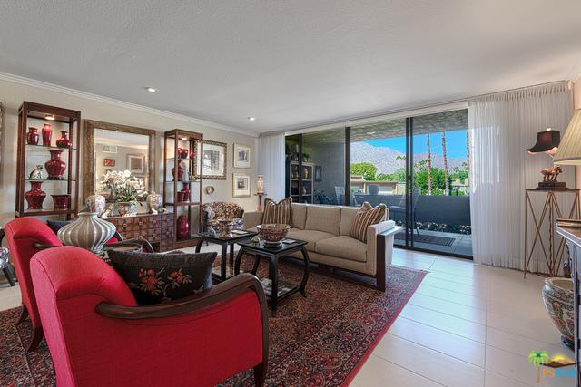 1660 S La Reina Way 1D, Palm Springs, CA 92264 (MLS #18417632PS) :: Deirdre Coit and Associates