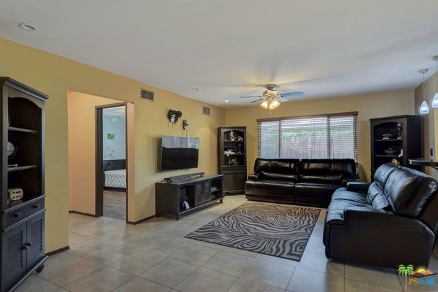 43340 Stony Hill Court B, Palm Desert, CA 92260 (MLS #19418152PS) :: The Sandi Phillips Team