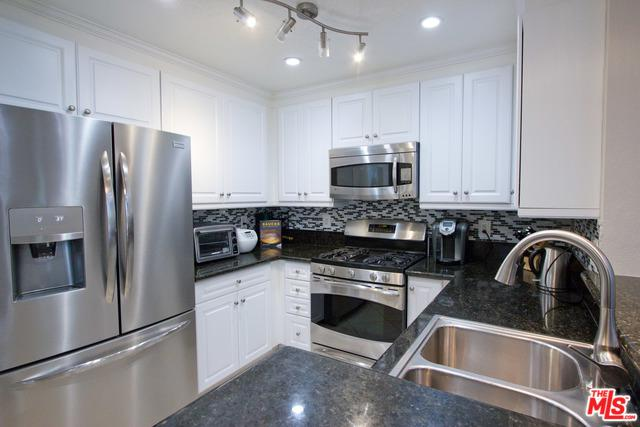 23412 Pacific Park Drive 39G, Aliso Viejo, CA 92656 (MLS #19418672) :: The John Jay Group - Bennion Deville Homes