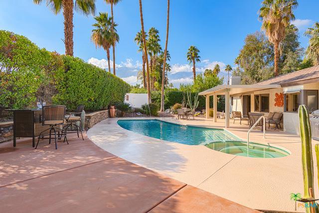 3599 E El Gaucho Circle, Palm Springs, CA 92264 (MLS #19421140PS) :: Brad Schmett Real Estate Group