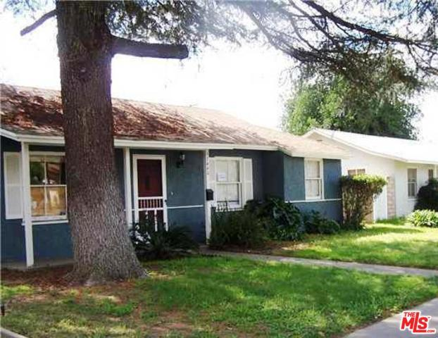 17440 Saticoy Street, Van Nuys, CA 91406 (MLS #19428292) :: The Jelmberg Team