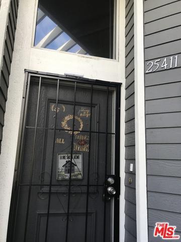 25411 Pine Creek Lane B18, Wilmington, CA 90744 (MLS #19429292) :: Hacienda Group Inc
