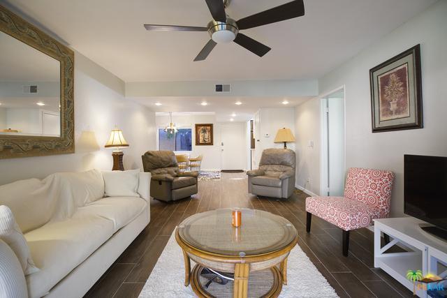 1050 E Ramon Road #7, Palm Springs, CA 92264 (MLS #19429416PS) :: Hacienda Group Inc