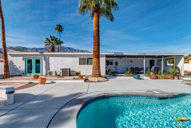 1990 N Volturno Road, Palm Springs, CA 92262 (MLS #19430962PS) :: Brad Schmett Real Estate Group