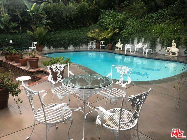 3733 Wrightwood Drive, Studio City, CA 91604 (MLS #19431132) :: Hacienda Group Inc