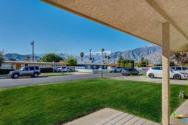 4234 E Calle San Raphael, Palm Springs, CA 92264 (MLS #19432444PS) :: Brad Schmett Real Estate Group
