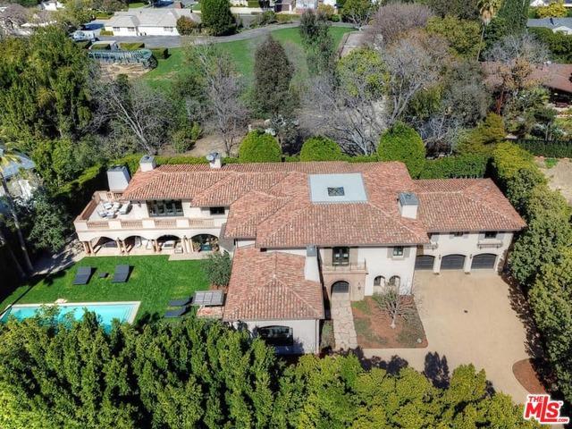 10313 Woodbridge Street, Toluca Lake, CA 91602 (MLS #19435026) :: Hacienda Group Inc
