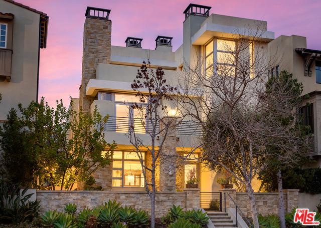 13081 Bluff Creek Drive, Playa Vista, CA 90094 (MLS #19437688) :: Hacienda Group Inc