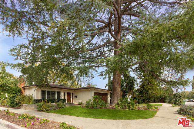 11247 Kling Street, Toluca Lake, CA 91602 (MLS #19438470) :: Deirdre Coit and Associates