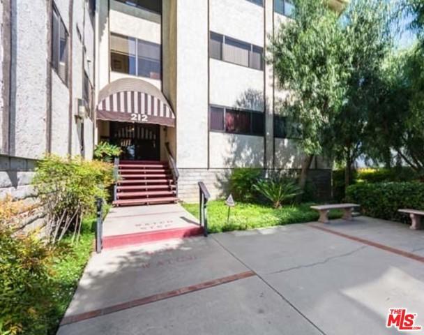 212 N Valley Street #3, Burbank, CA 91505 (MLS #19440520) :: Hacienda Group Inc