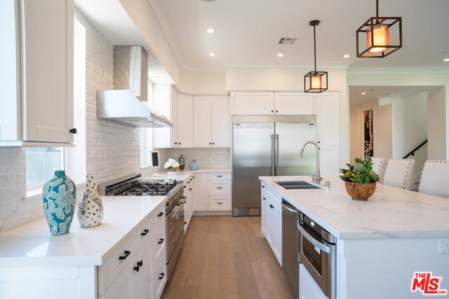 6023 W 83rd Place, Los Angeles (City), CA 90045 (MLS #19444988) :: Deirdre Coit and Associates
