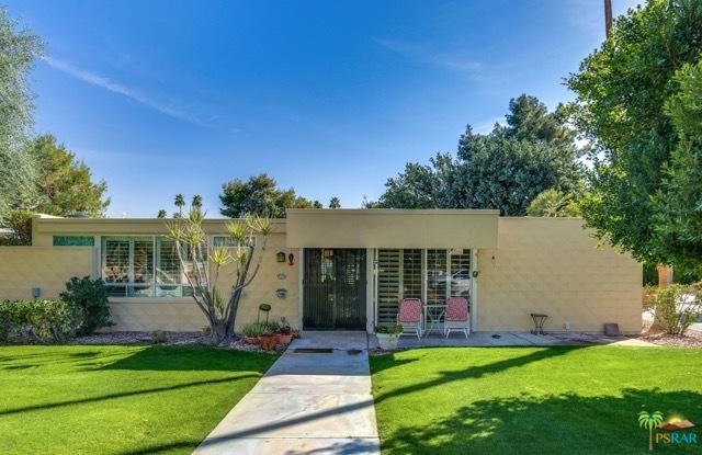 42 Lakeview Drive, Palm Springs, CA 92264 (MLS #19445394PS) :: The Sandi Phillips Team