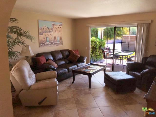 2700 E Mesquite Avenue B11, Palm Springs, CA 92262 (MLS #19447012PS) :: The Jelmberg Team