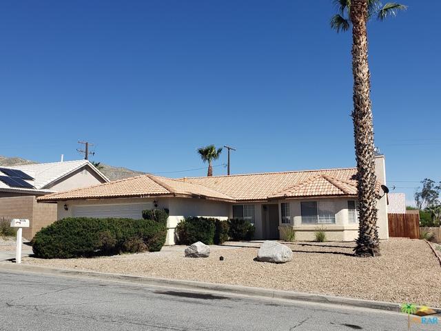 9710 Vista Del Valle, Desert Hot Springs, CA 92240 (MLS #19450580PS) :: The John Jay Group - Bennion Deville Homes