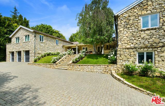 422 Parkwood Drive, Los Angeles (City), CA 90077 (MLS #19466014) :: Deirdre Coit and Associates