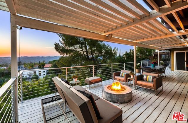 5035 Cerrillos Drive, Woodland Hills, CA 91364 (MLS #19467336) :: Hacienda Group Inc