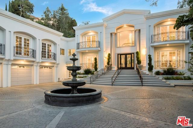 12055 Summit Circle, Beverly Hills, CA 90210 (MLS #19467368) :: Hacienda Group Inc
