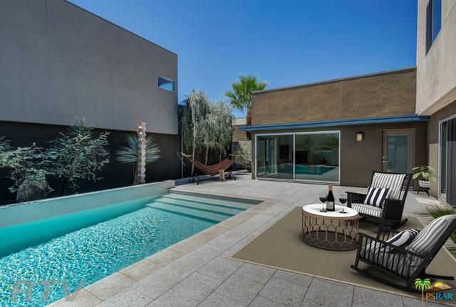 1062 Hunter Drive, Palm Springs, CA 92262 (MLS #19469266PS) :: Deirdre Coit and Associates