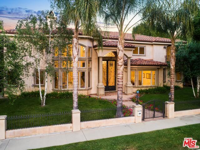 4822 Valjean Avenue, Encino, CA 91436 (MLS #19476696) :: The John Jay Group - Bennion Deville Homes