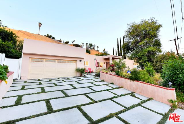 5670 Collins Place, Woodland Hills, CA 91367 (MLS #19477020) :: The John Jay Group - Bennion Deville Homes