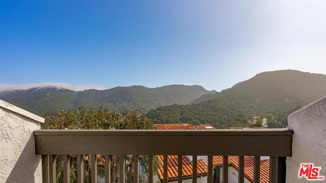 1518 Michael Lane, Pacific Palisades, CA 90272 (MLS #19478370) :: Desert Area Homes For Sale