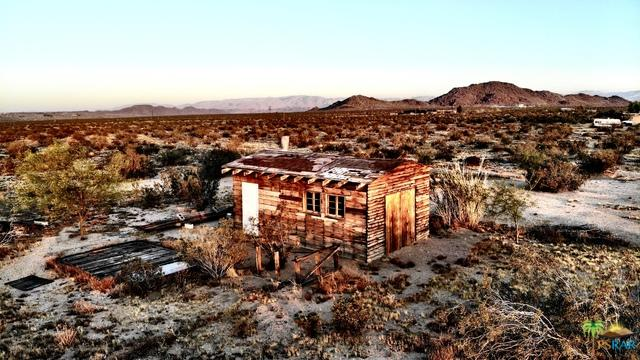 0 Jackalope, Joshua Tree, CA 92252 (MLS #19479686PS) :: Brad Schmett Real Estate Group