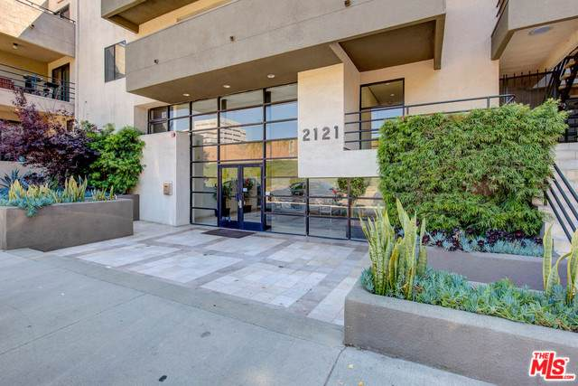 2121 Beloit Avenue #102, Los Angeles (City), CA 90025 (MLS #19489734) :: Deirdre Coit and Associates