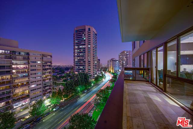 10445 Wilshire #906, Los Angeles (City), CA 90024 (MLS #19490914) :: Deirdre Coit and Associates