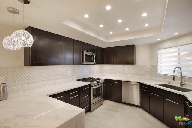 3155 E Ramon Road #204, Palm Springs, CA 92264 (MLS #19491960PS) :: Brad Schmett Real Estate Group