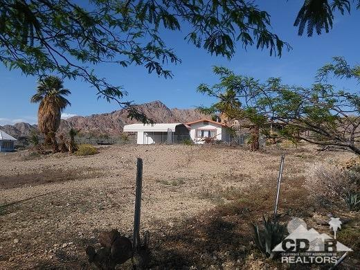 10368 Coachella Canal Road, Niland, CA 92257 (MLS #217009402) :: Hacienda Group Inc