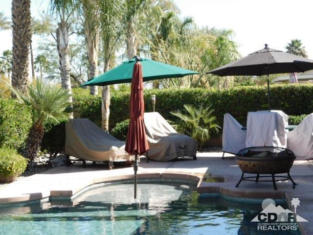 69878 Northhampton Avenue, Cathedral City, CA 92234 (MLS #218007040) :: Brad Schmett Real Estate Group